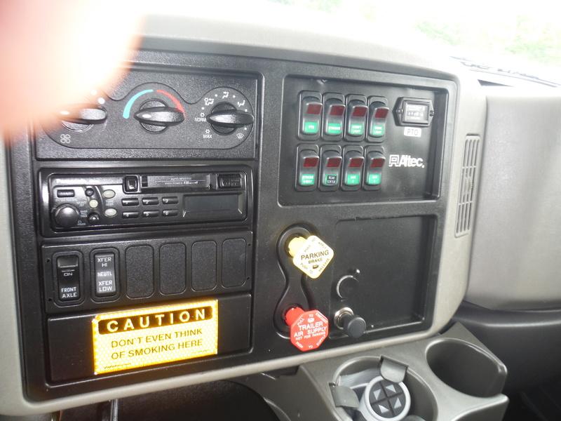 UES-bucket-truck-1449-5