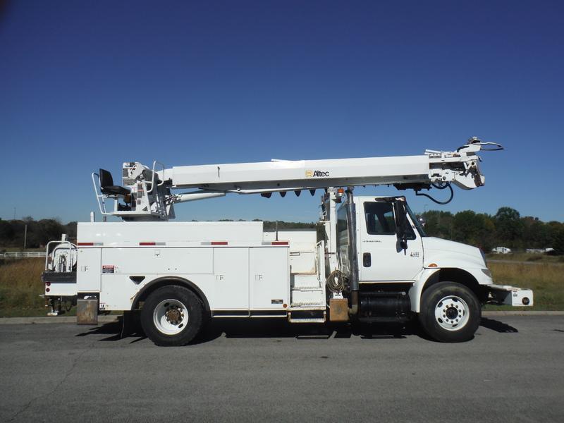 UES-digger-truck-1543-3