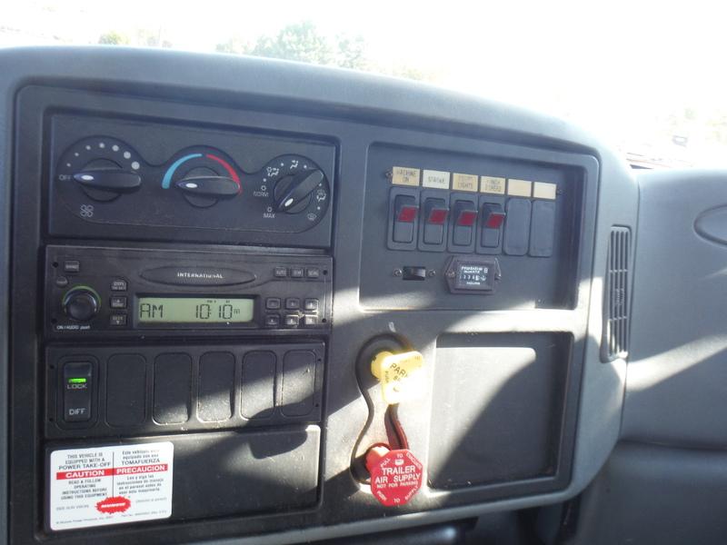 UES-digger-truck-1543-8