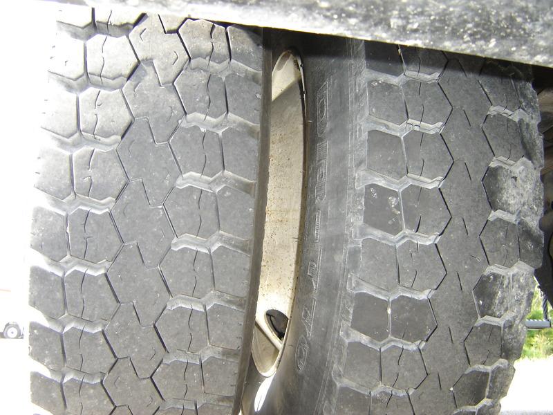 ues-bucket-truck-1340-10
