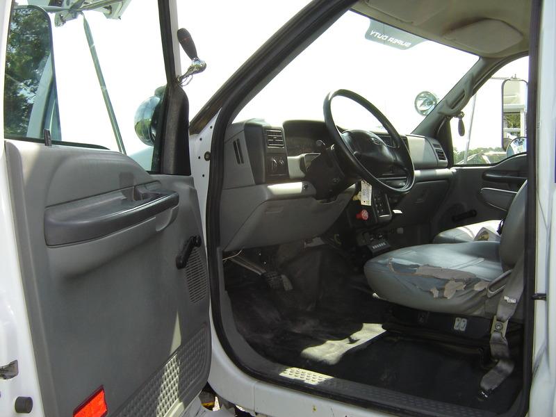 ues-bucket-truck-1340-11