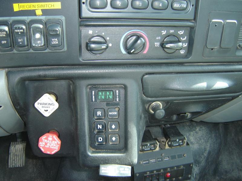 ues-bucket-truck-1340-14