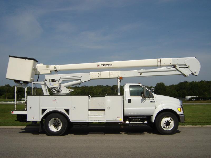 ues-bucket-truck-1340-6