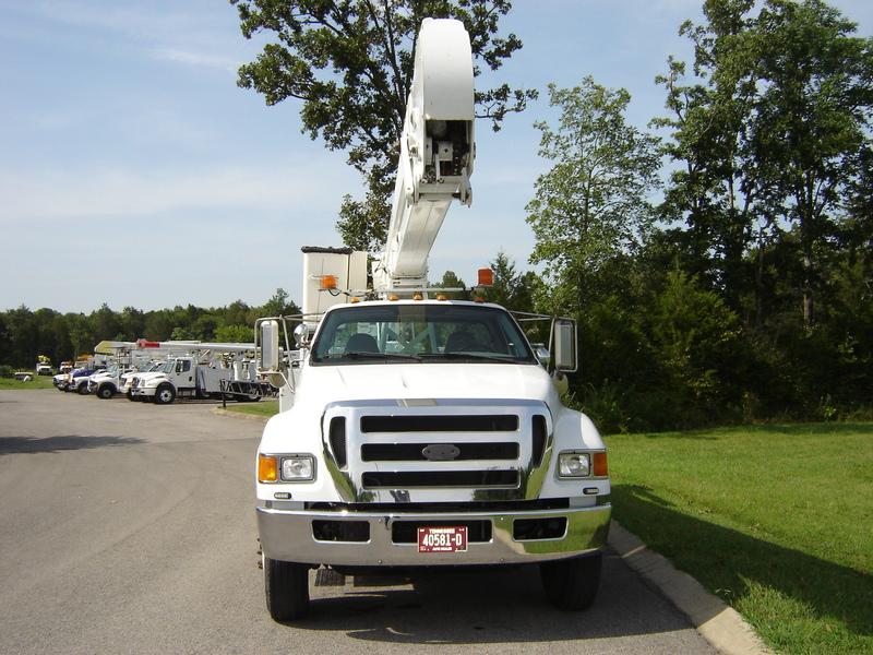 ues-bucket-truck-1340-8