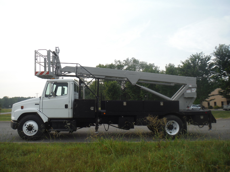 ues-bucket-truck-1415-3