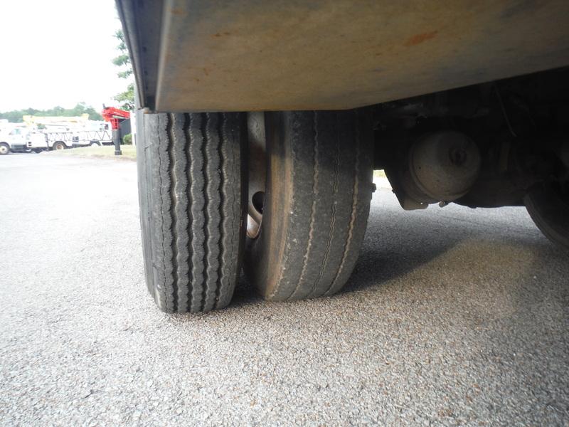 ues-bucket-truck-1415-9