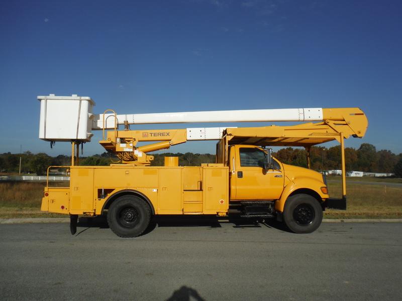 ues-bucket-truck-1474-1