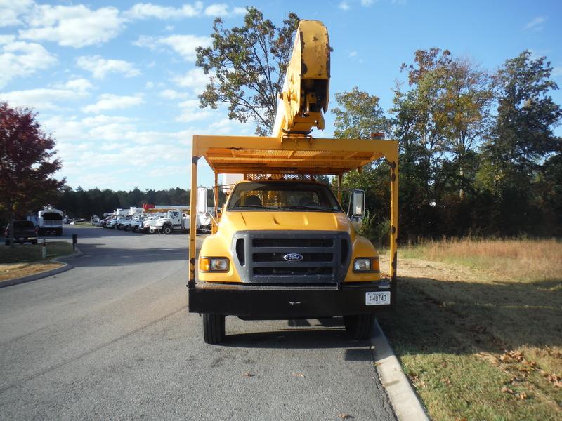 ues-bucket-truck-1474-4