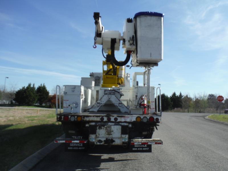 ues-bucket-truck-1502-2