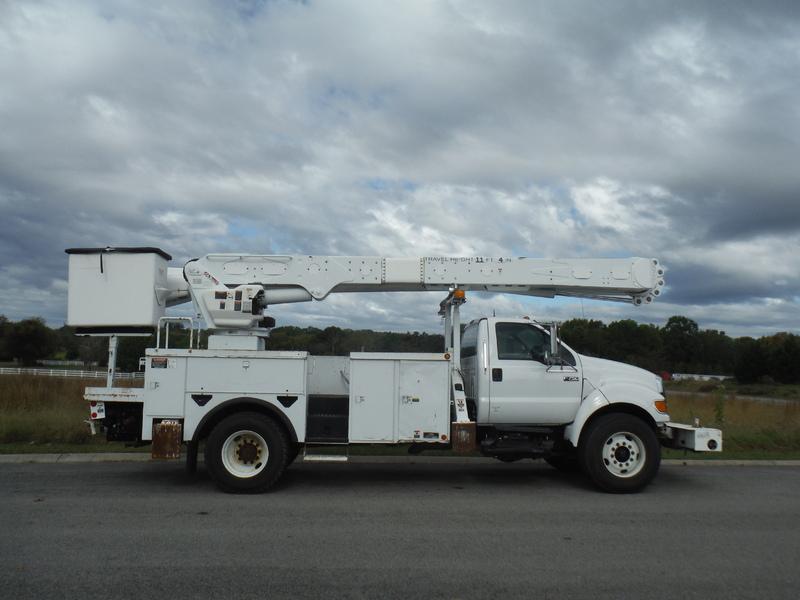 ues-bucket-truck-1538-6