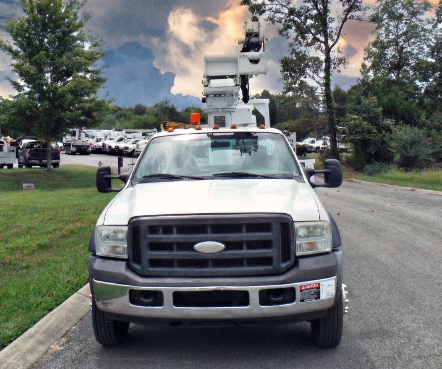 front view of bucket truck for Sale from Utility Equipment Service in Spring Hill TN