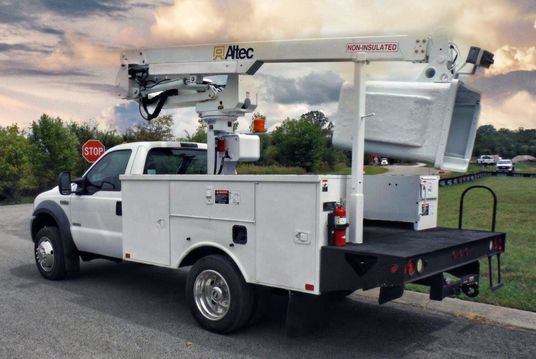 back side view of bucket truck for Sale from Utility Equipment Service in Spring Hill TN