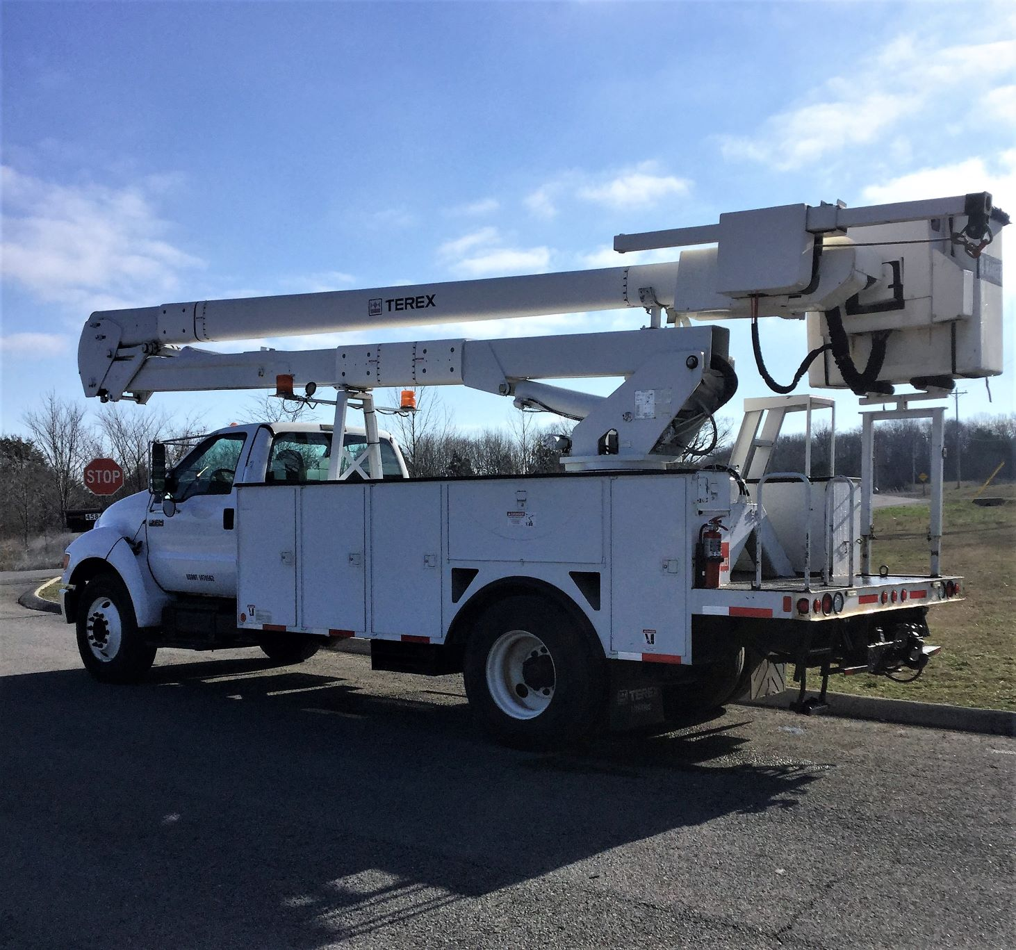 back side view of large bucket truck for Sale from Utility Equipment Service in Spring Hill TN