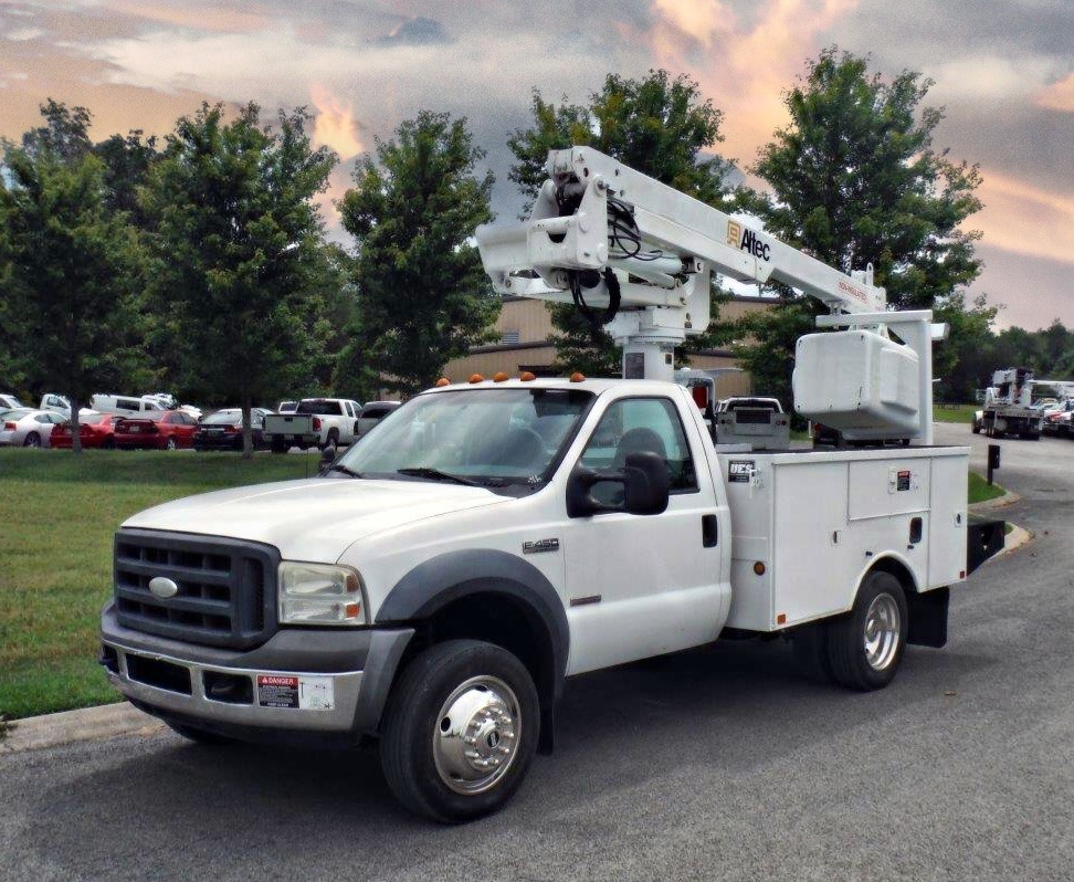 front side view of Bucket Truck for Sale from Utility Equipment Service in Spring Hill TN